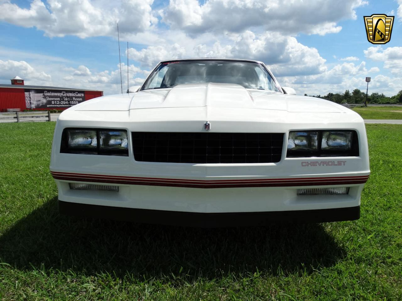 Large Picture of 1987 Monte Carlo located in Memphis Indiana - LCNU