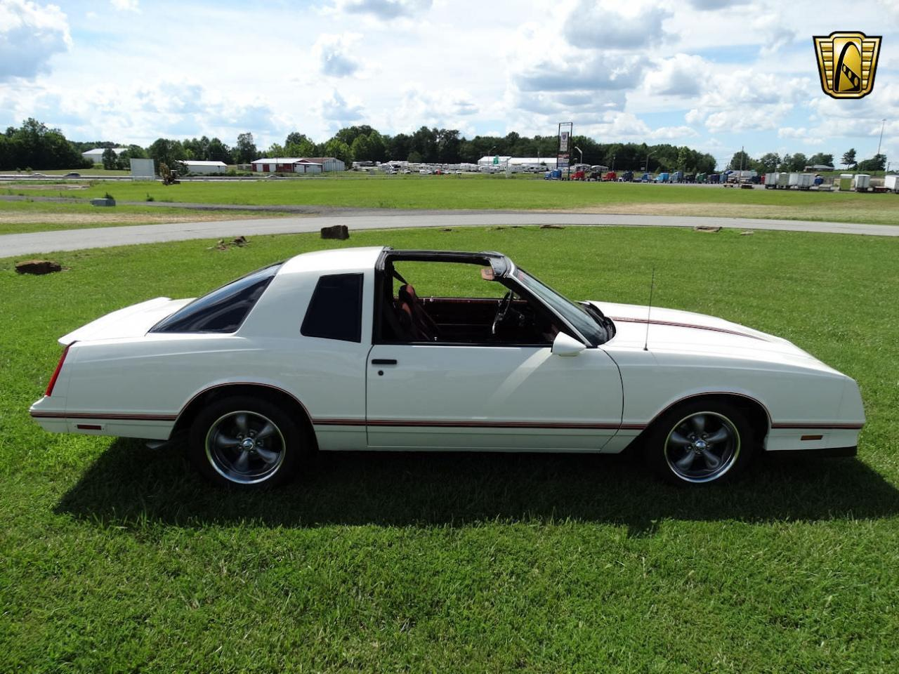 Large Picture of 1987 Chevrolet Monte Carlo located in Memphis Indiana - LCNU