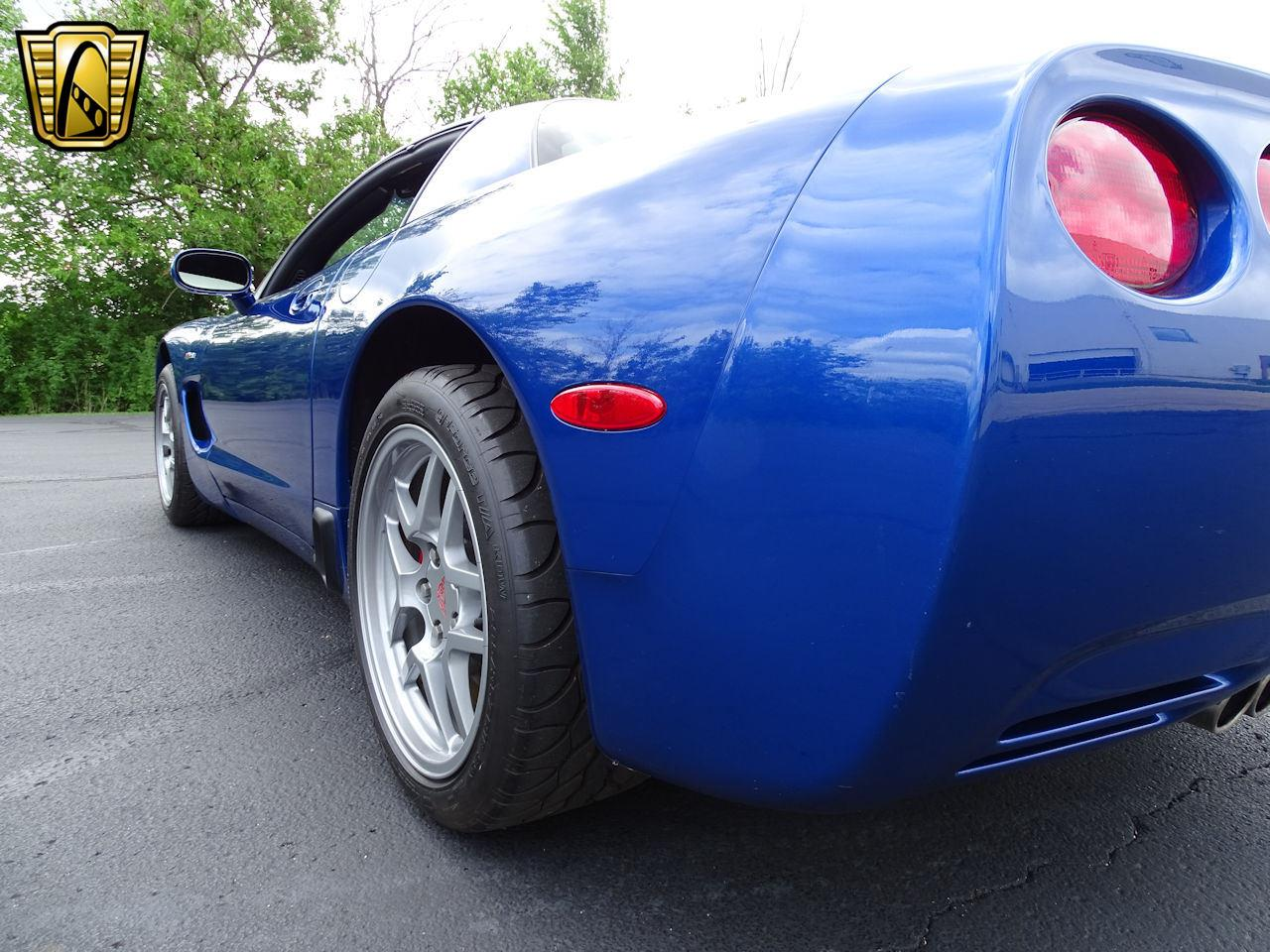 Large Picture of 2002 Chevrolet Corvette - LCNV