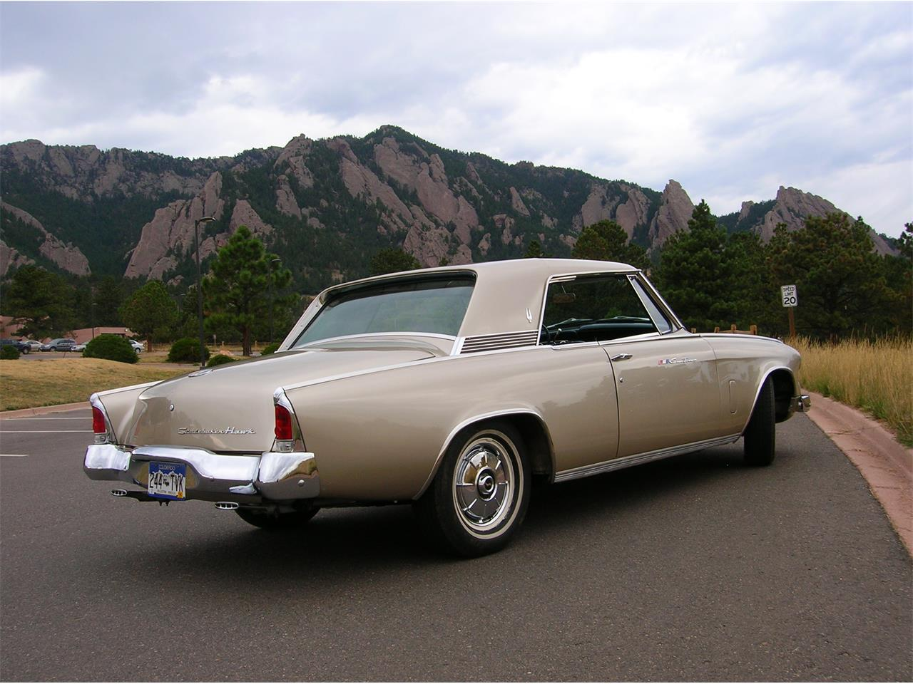 Large Picture of 1964 Studebaker Gran Turismo - LCSH