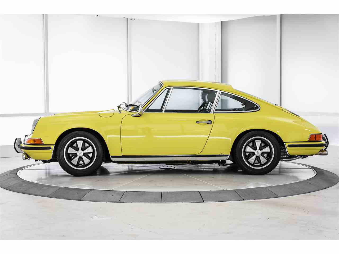 Large Picture of 1970 Porsche 911T located in Thousand Oaks California Offered by a Private Seller - LCSS