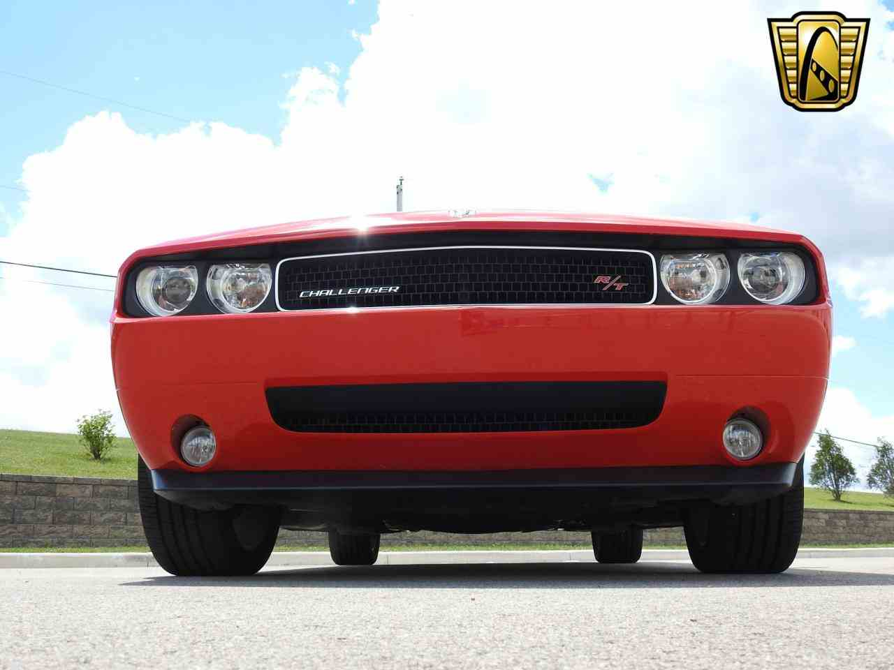Large Picture of 2009 Dodge Challenger located in Kenosha Wisconsin - $19,995.00 - LCTZ