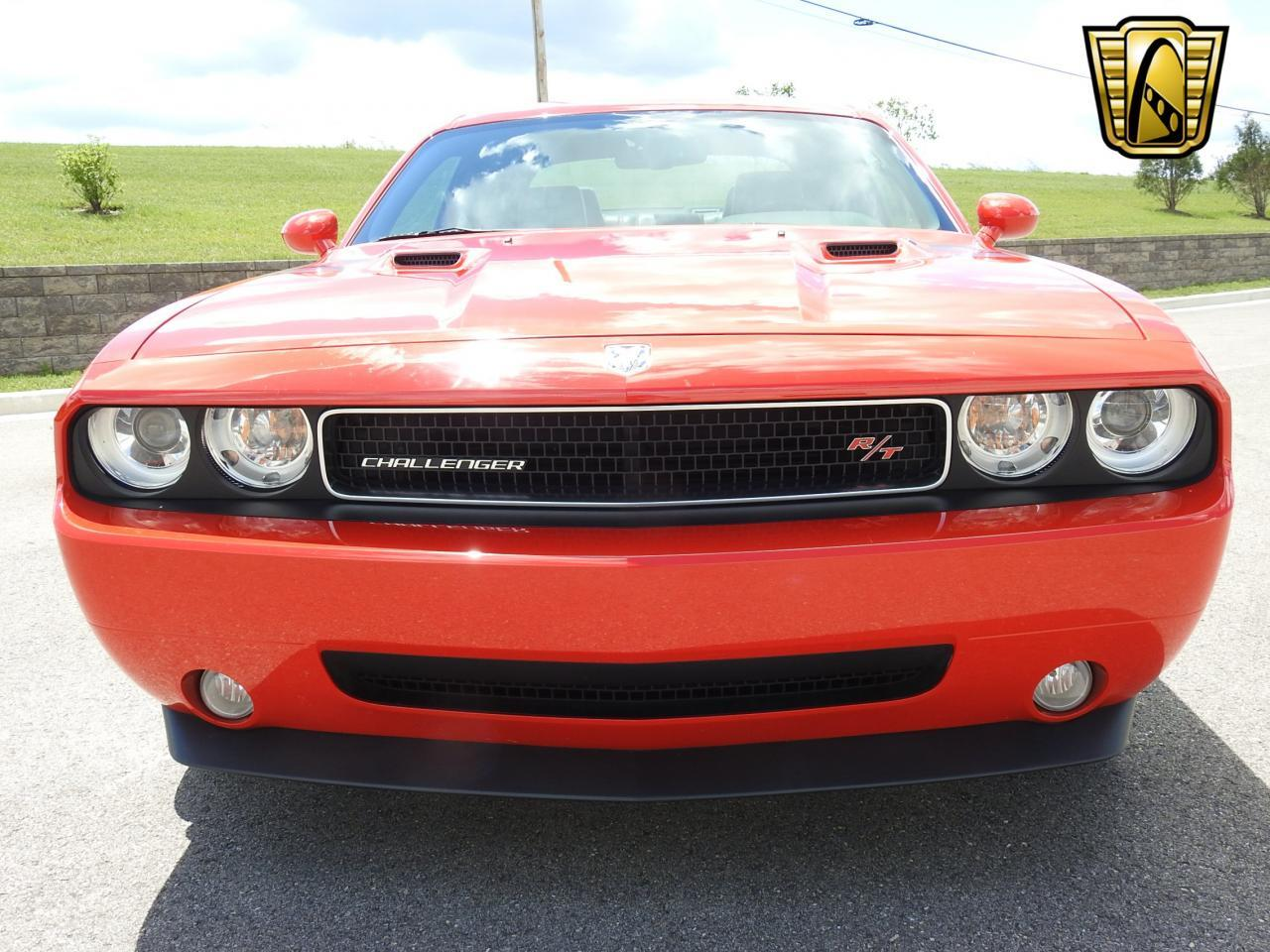 Large Picture of '09 Dodge Challenger located in Wisconsin - $19,995.00 - LCTZ