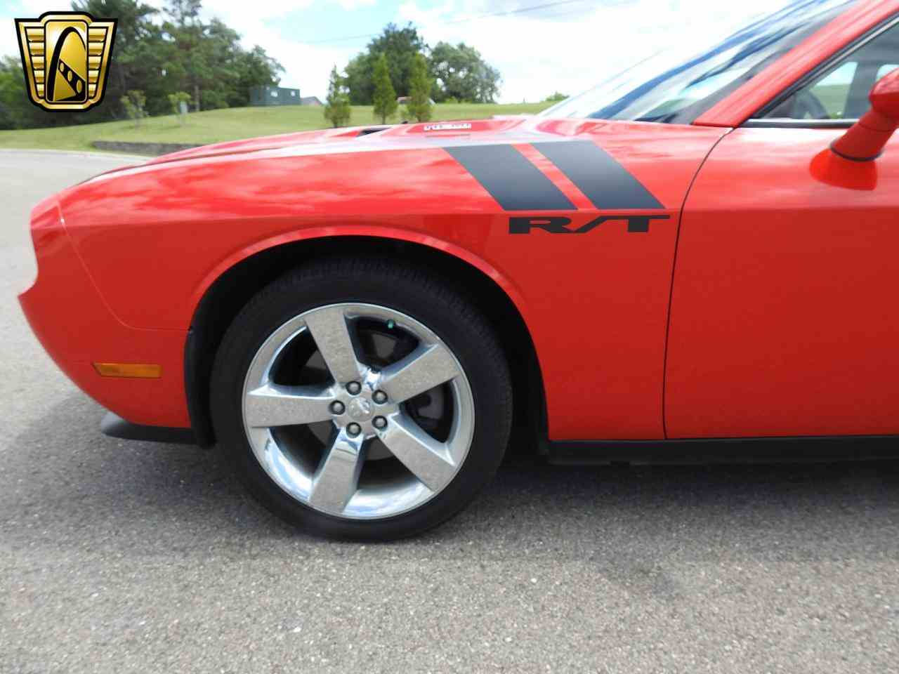 Large Picture of 2009 Dodge Challenger located in Kenosha Wisconsin - LCTZ