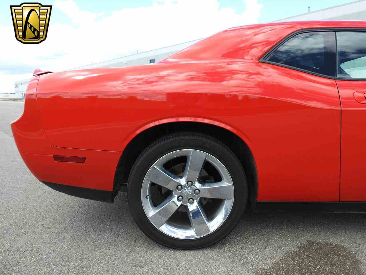 Large Picture of '09 Dodge Challenger Offered by Gateway Classic Cars - Milwaukee - LCTZ