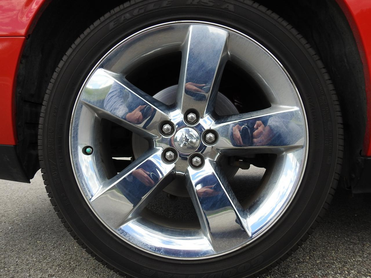 Large Picture of 2009 Dodge Challenger Offered by Gateway Classic Cars - Milwaukee - LCTZ