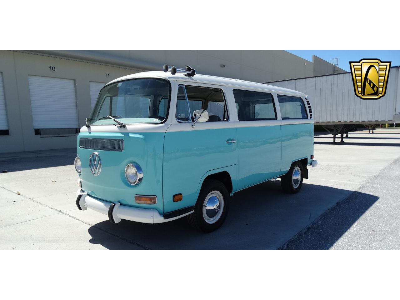Large Picture of Classic 1969 Volkswagen Type 2 - LCU3