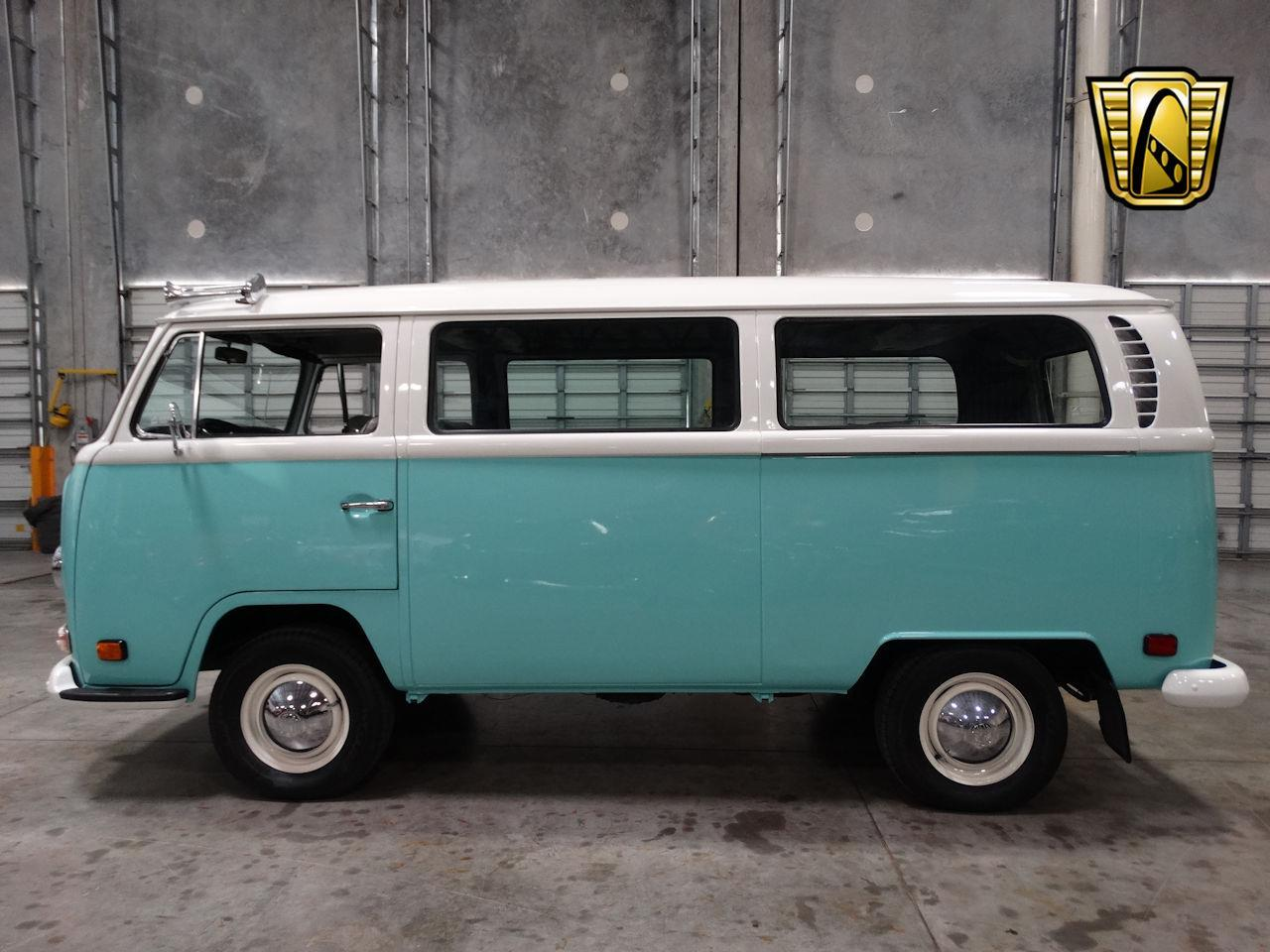 Large Picture of '69 Volkswagen Type 2 located in Florida - LCU3