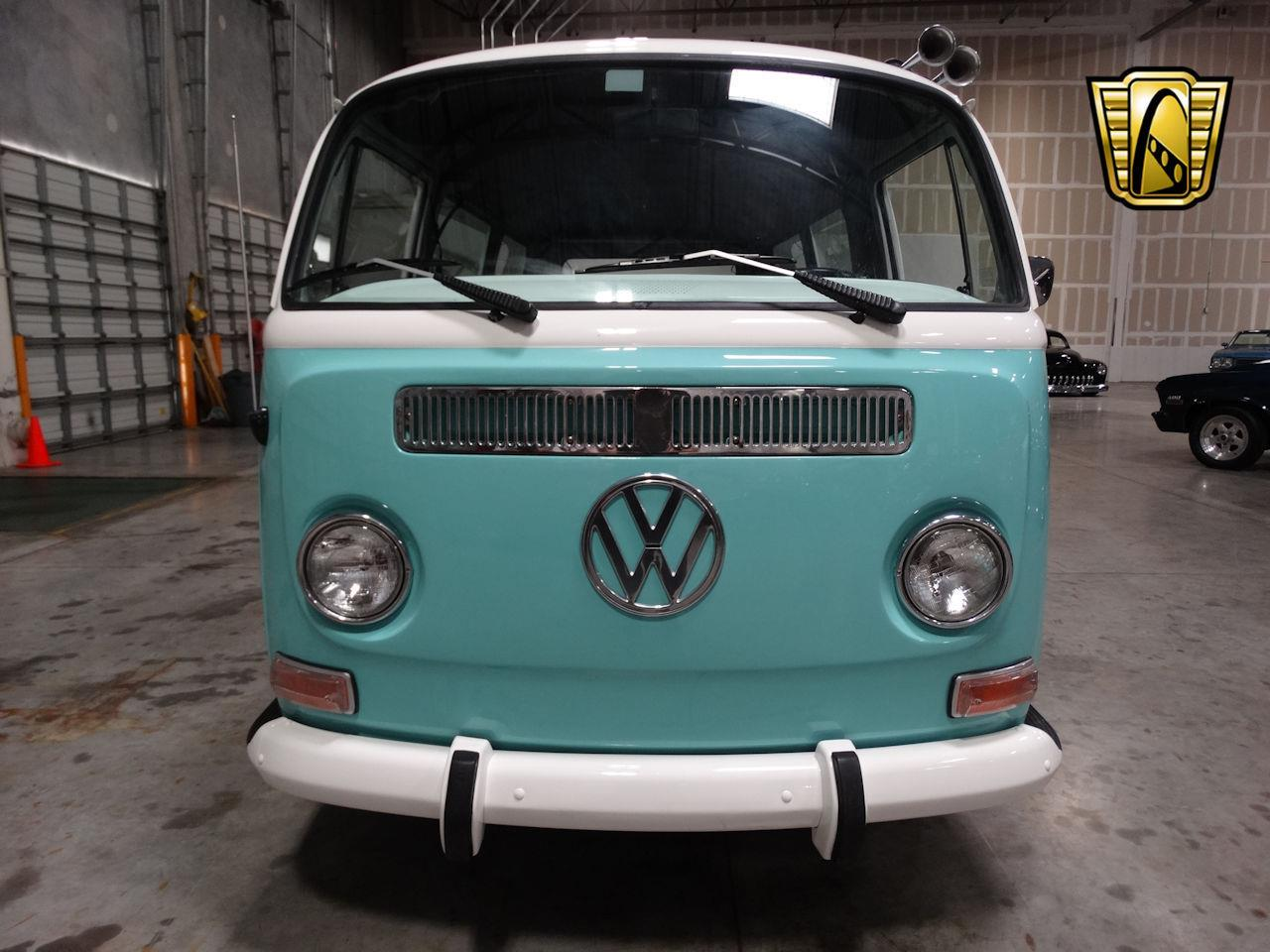 Large Picture of Classic '69 Volkswagen Type 2 located in Coral Springs Florida - LCU3
