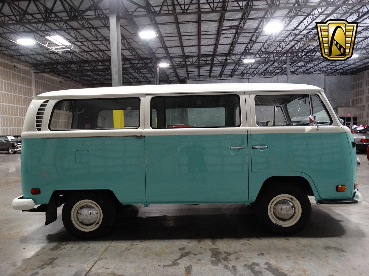 Large Picture of '69 Volkswagen Type 2 located in Coral Springs Florida - LCU3
