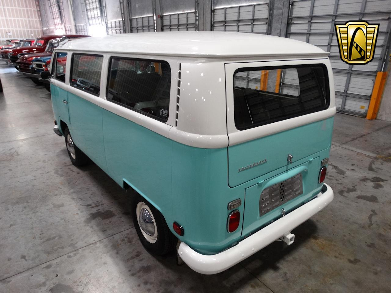Large Picture of Classic '69 Volkswagen Type 2 - $41,995.00 - LCU3
