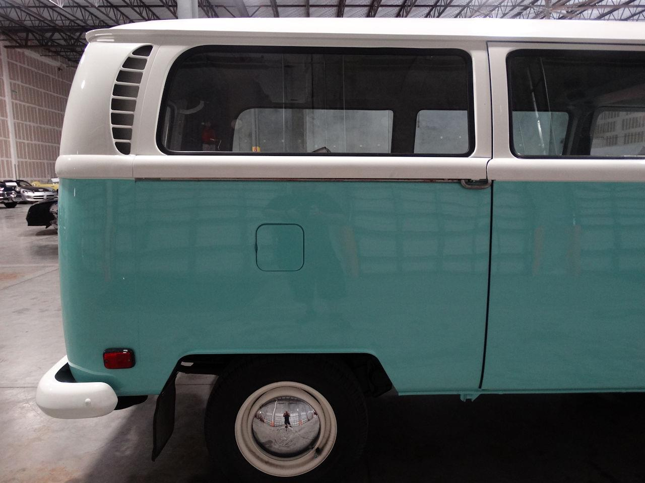 Large Picture of Classic '69 Volkswagen Type 2 located in Florida - $41,995.00 - LCU3