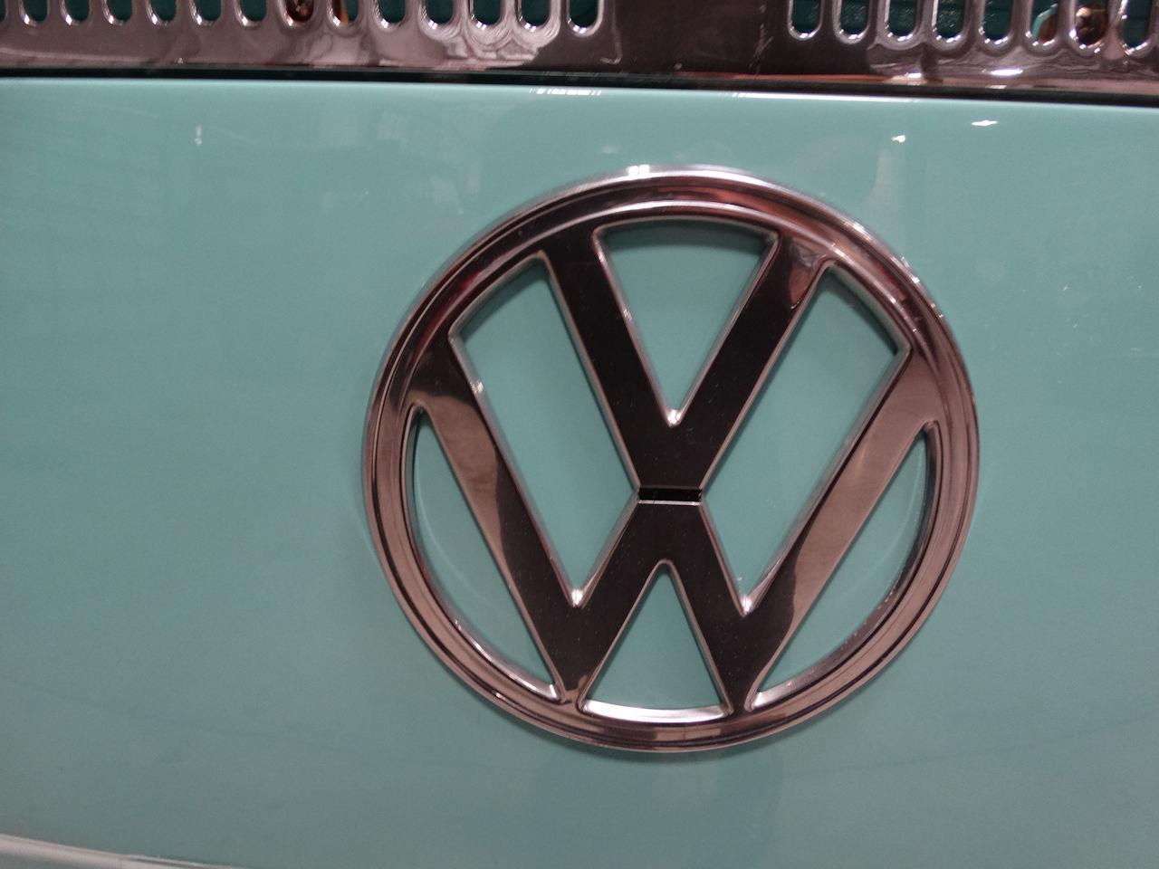 Large Picture of Classic '69 Volkswagen Type 2 - $41,995.00 Offered by Gateway Classic Cars - Fort Lauderdale - LCU3