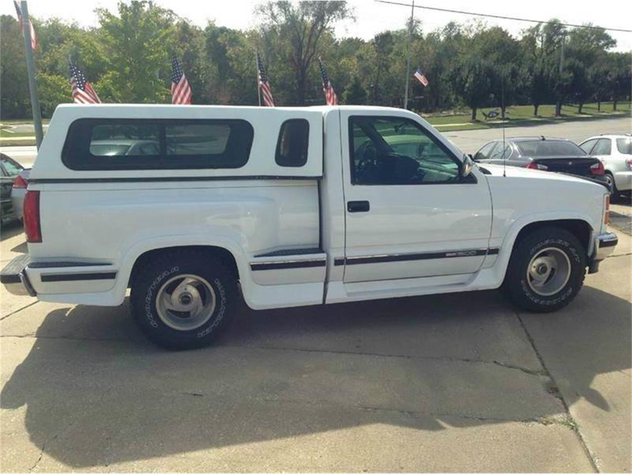 Large Picture of 1993 GMC Sierra located in Kansas - $5,980.00 Offered by All American Auto Mart Inc - LCUX