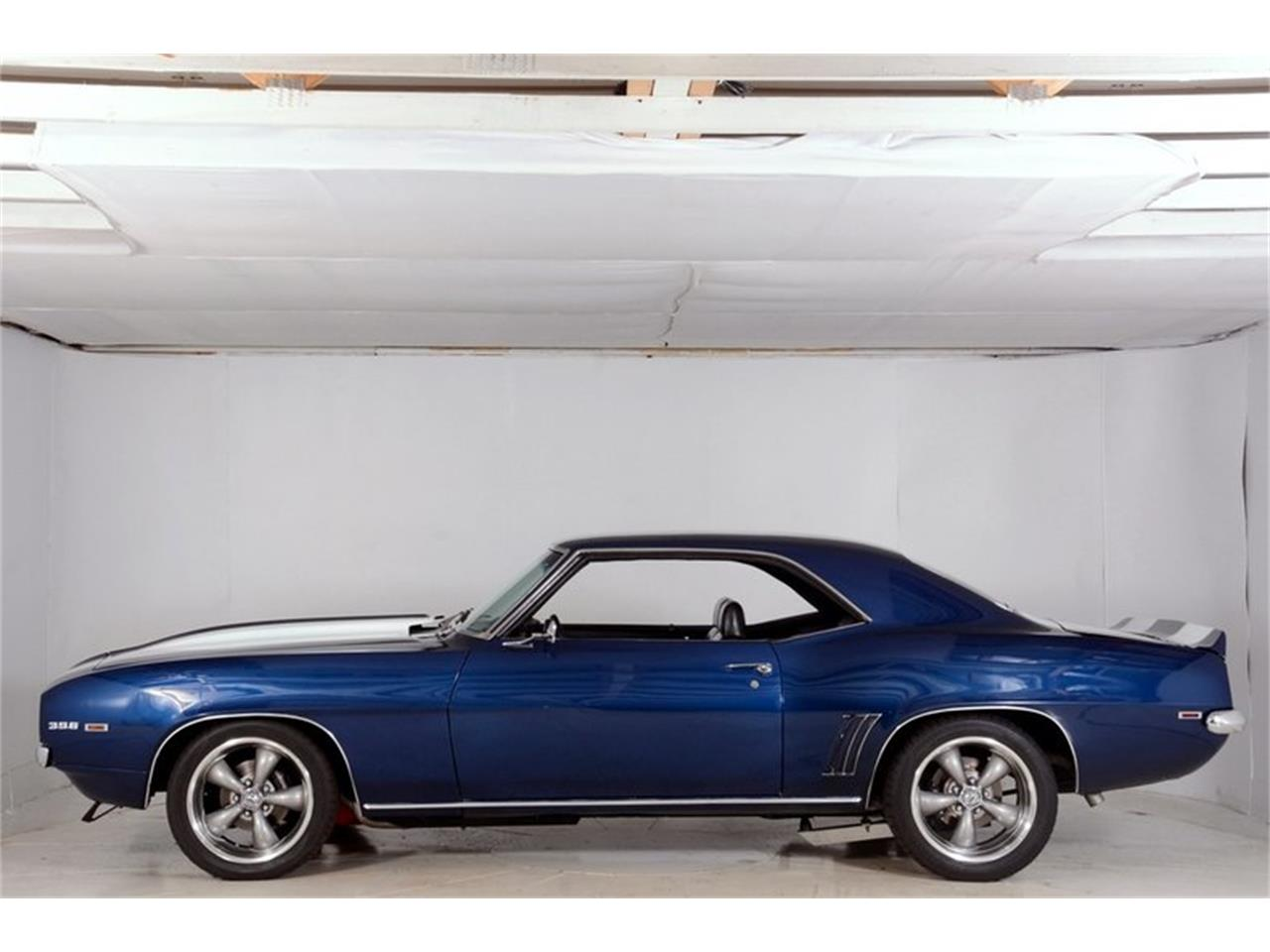 Large Picture of '69 Chevrolet Camaro SS located in Illinois - $43,998.00 Offered by Volo Auto Museum - LCVZ