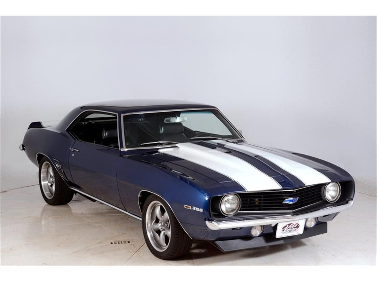 Large Picture of '69 Chevrolet Camaro SS located in Volo Illinois Offered by Volo Auto Museum - LCVZ