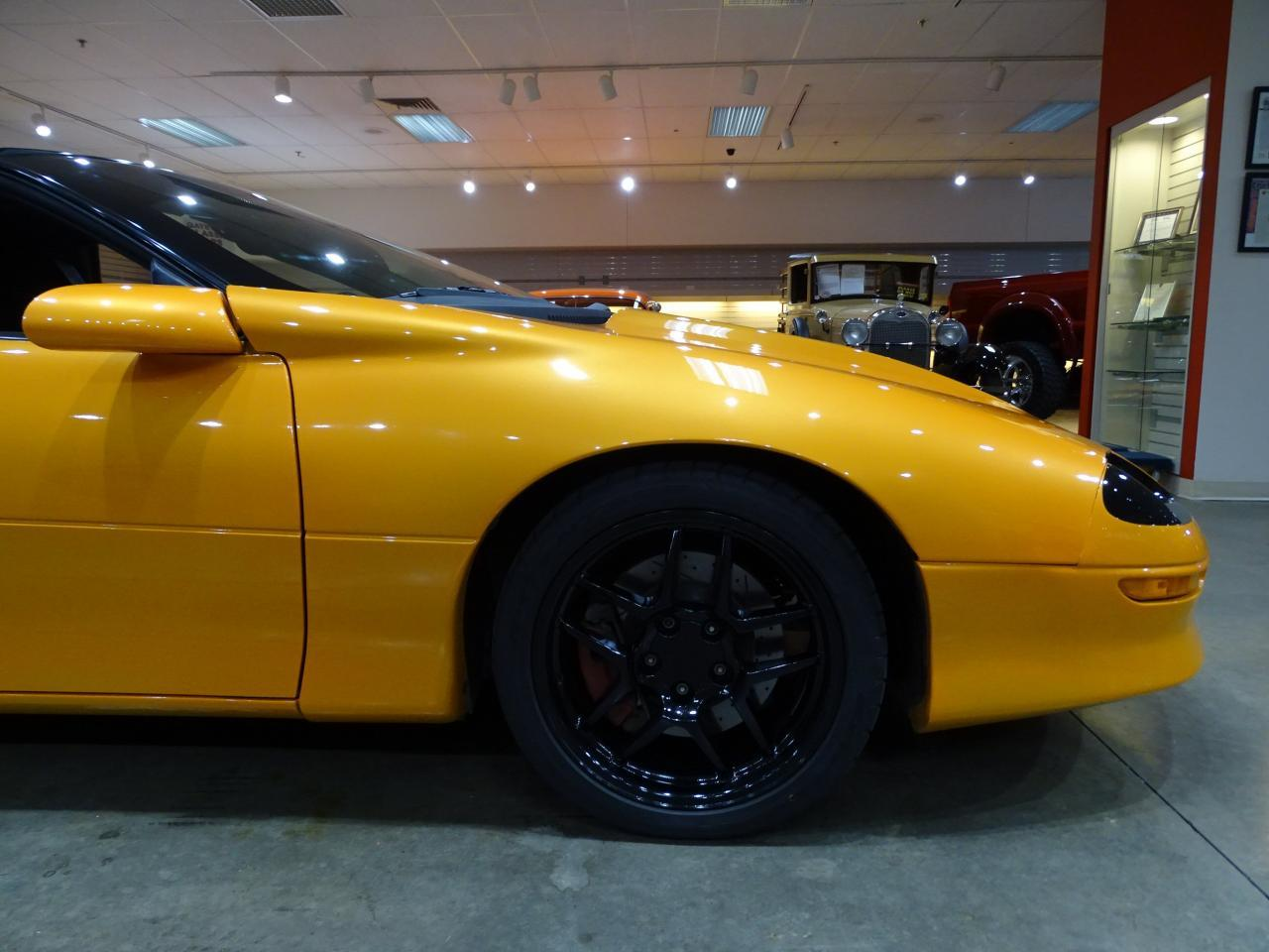 Large Picture of 1996 Camaro located in Illinois - $11,595.00 Offered by Gateway Classic Cars - St. Louis - L8EI