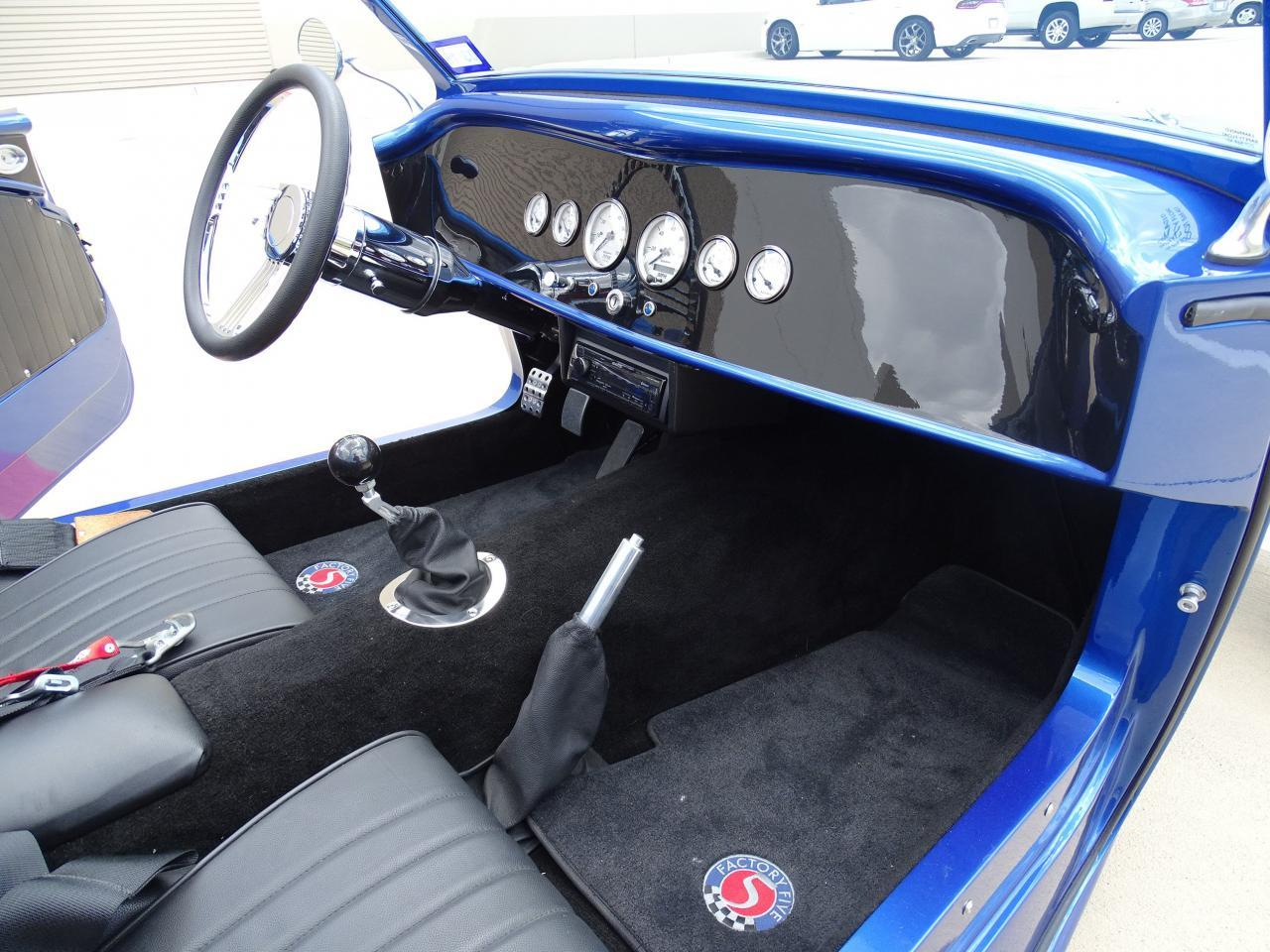 Large Picture of '33 Type 33 Roadster located in Texas - $59,995.00 - L8EM