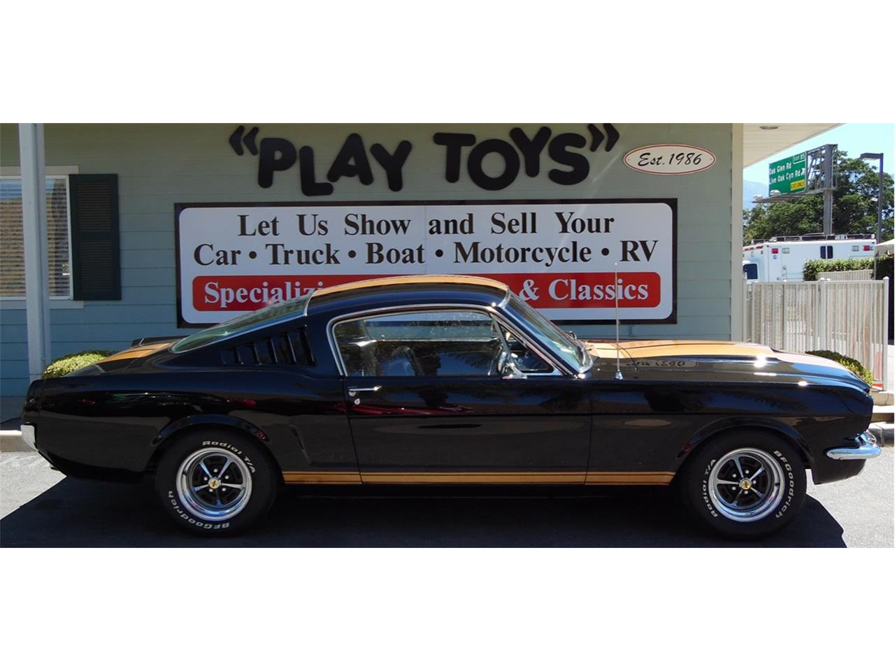Large Picture of 1966 Ford Mustang located in Redlands California - LD2L