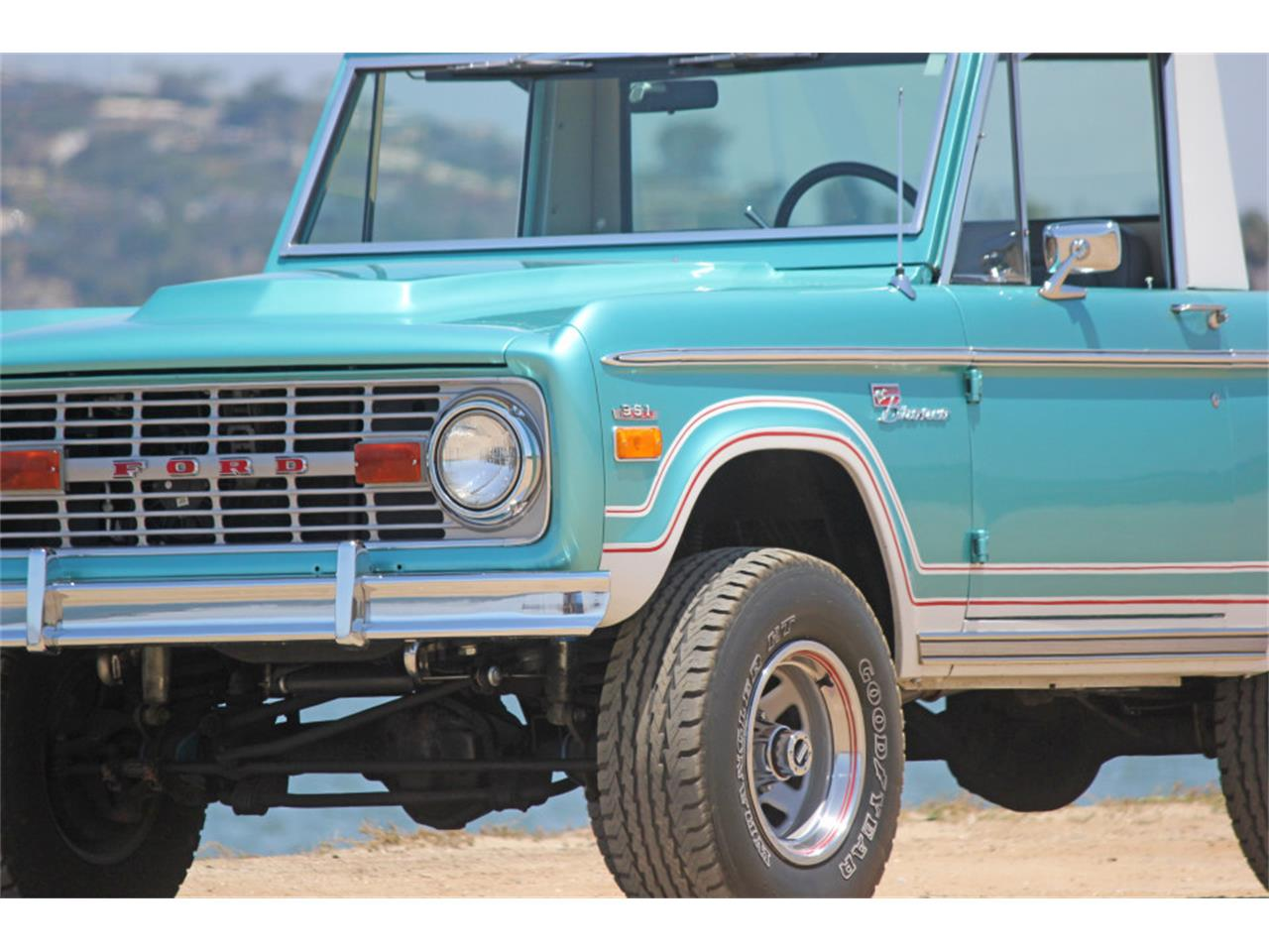 Large Picture of '70 Bronco - LD3R