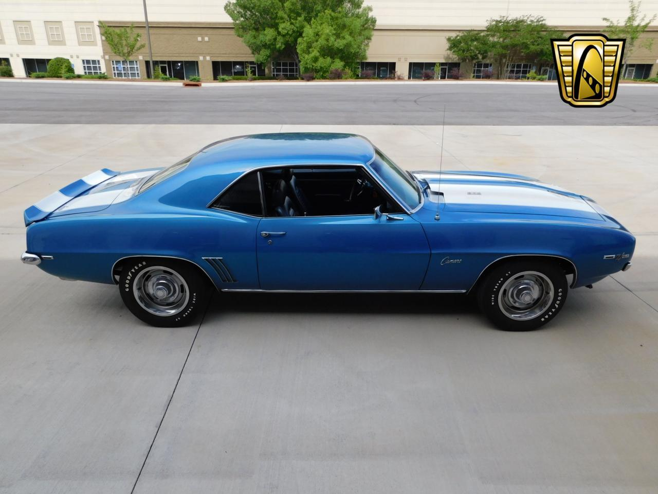 Large Picture of '69 Camaro - L8EW