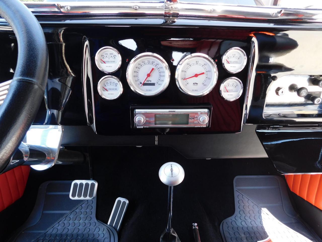Large Picture of Classic '52 Sedan located in Alpharetta Georgia - L8EZ