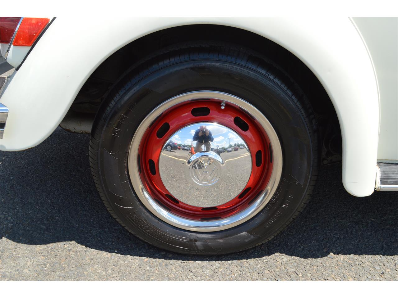 Large Picture of Classic '70 Volkswagen Beetle - $11,900.00 - LD8V