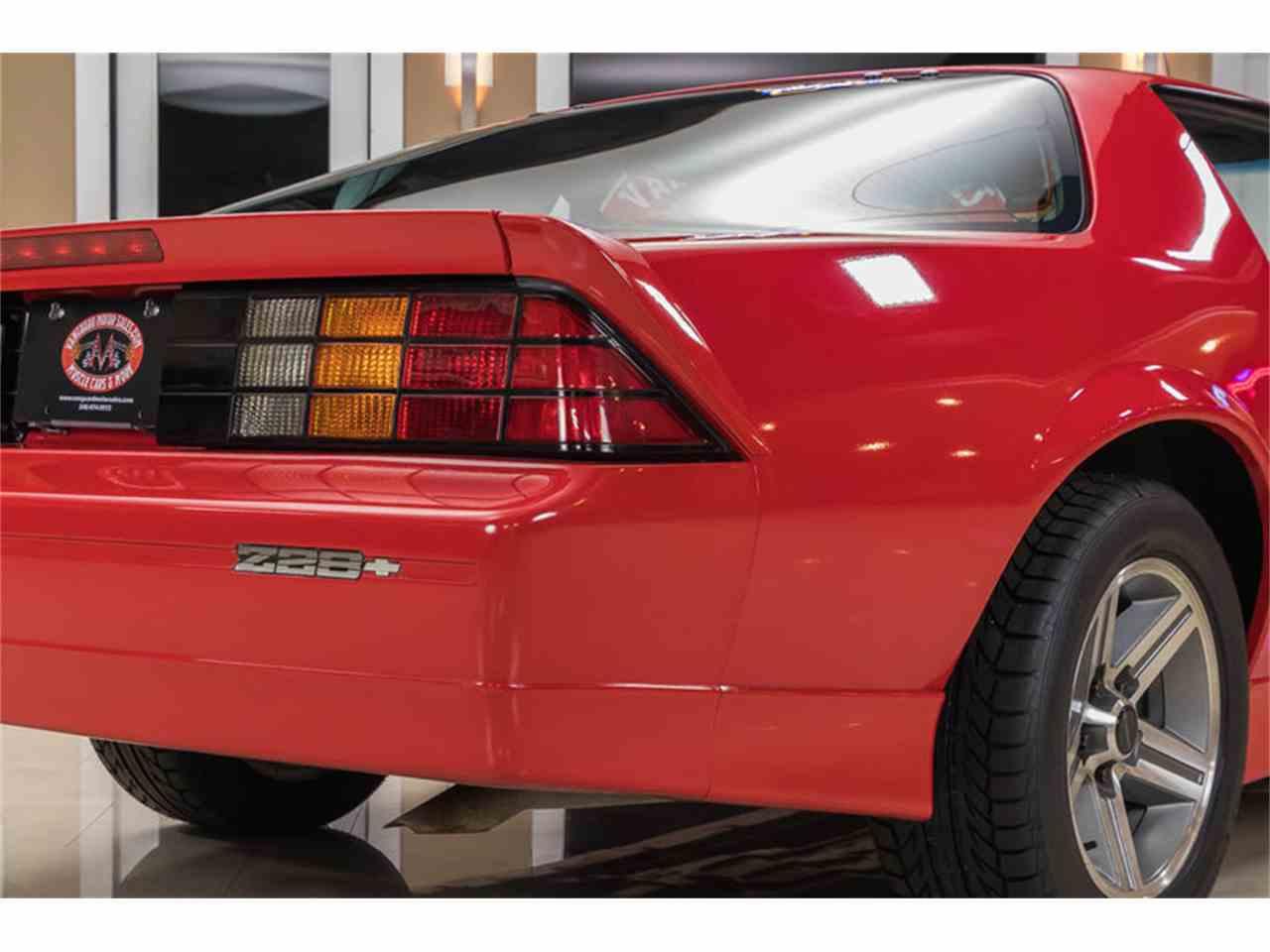 Large Picture of '87 Camaro IROC Z28 - LDDV