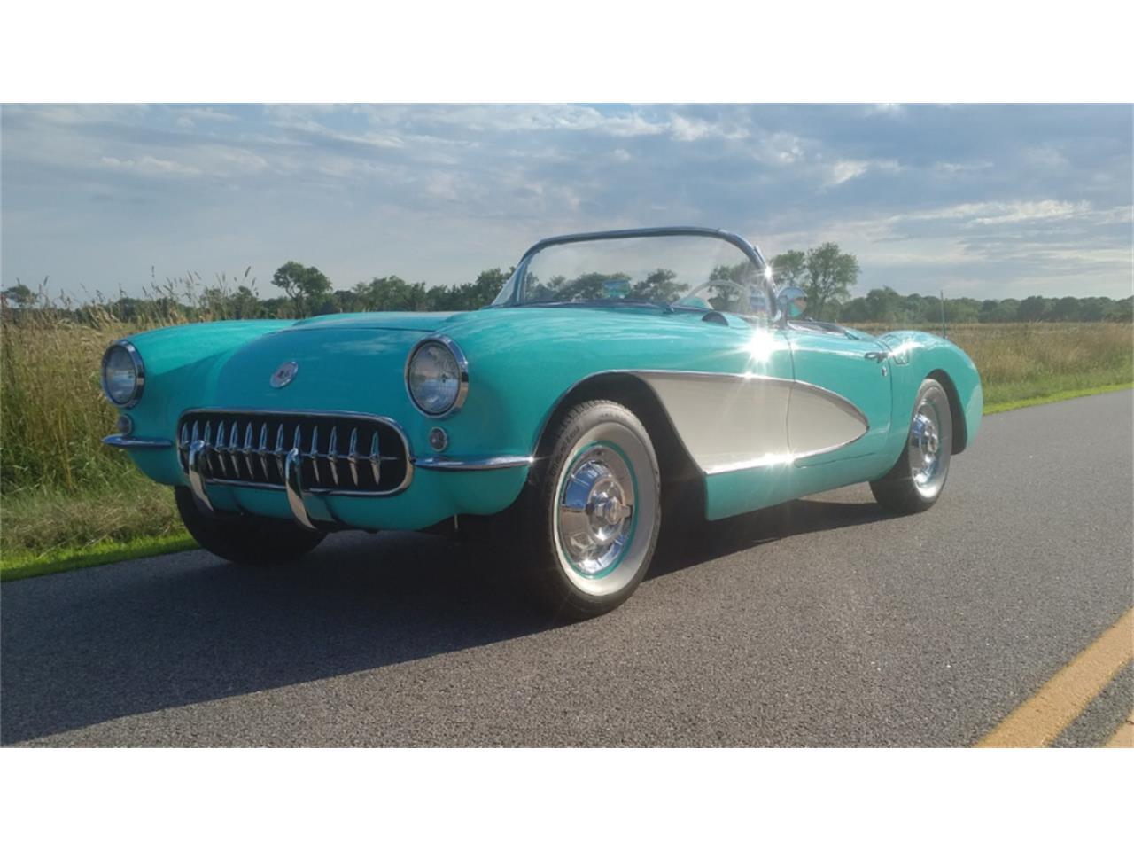 Large Picture of '57 Corvette - LDGU