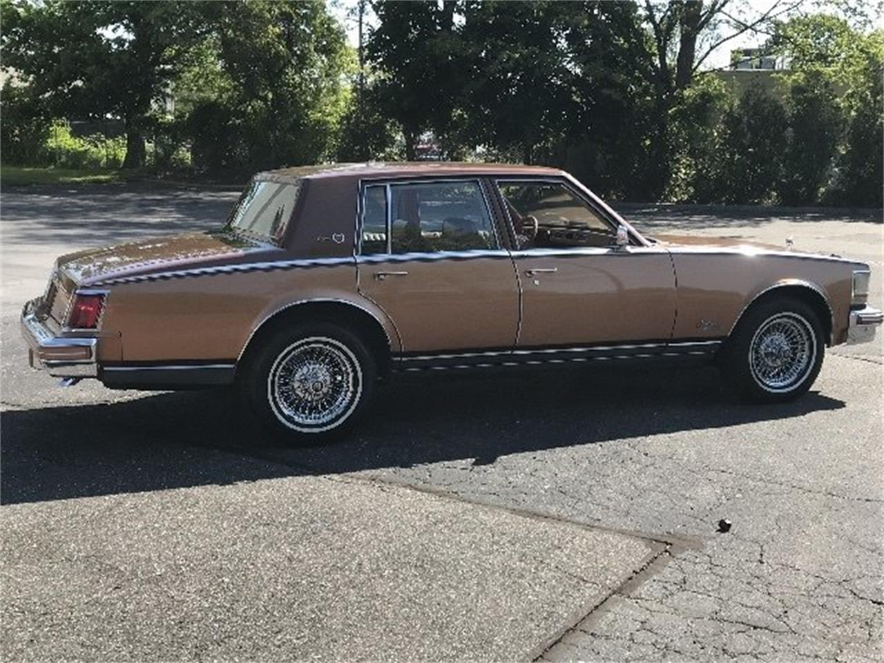 Large Picture of '78 Cadillac Seville Elegante located in West Babylon New York - LDH4