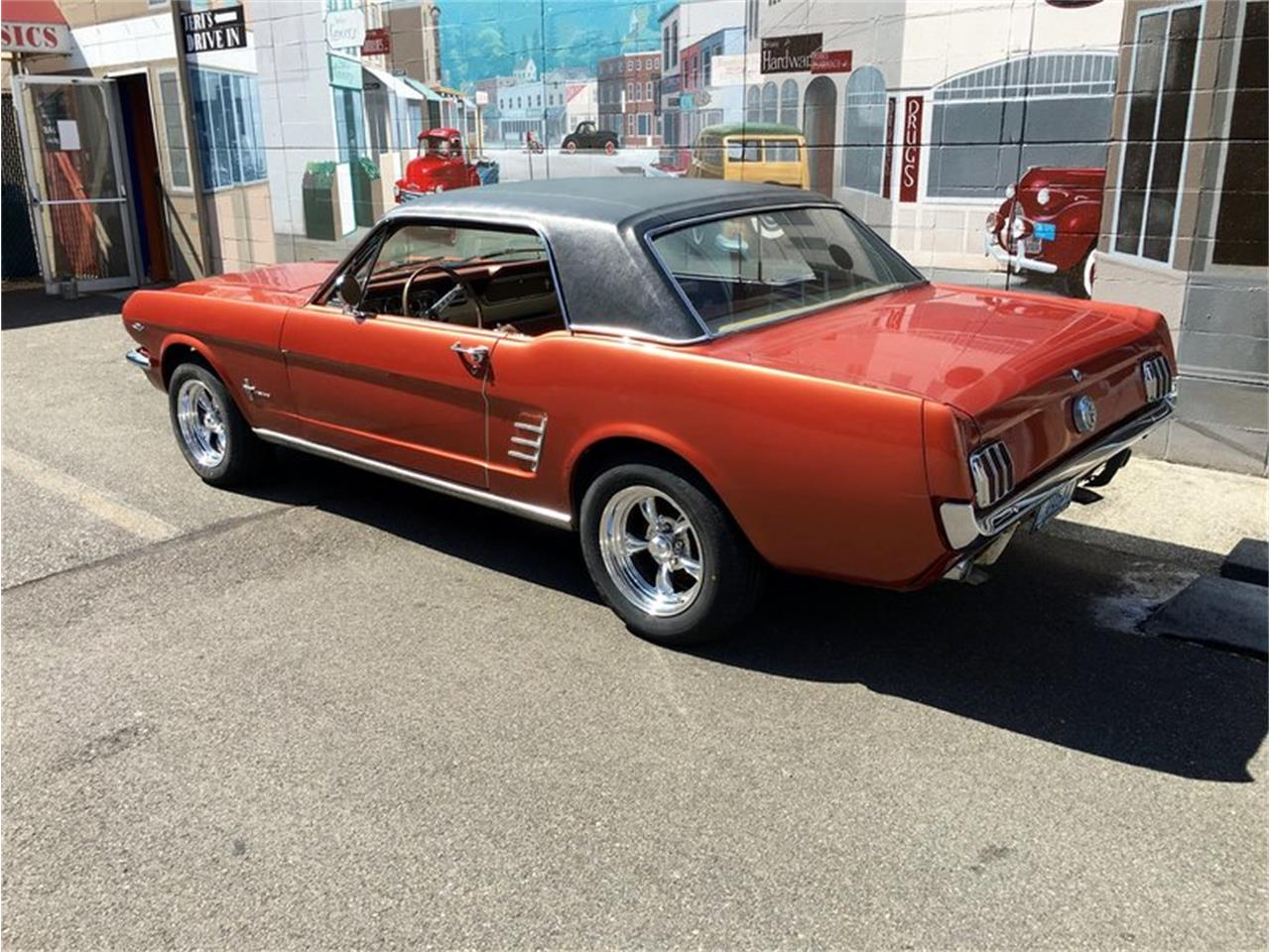 Large Picture of '66 Mustang - LDIZ
