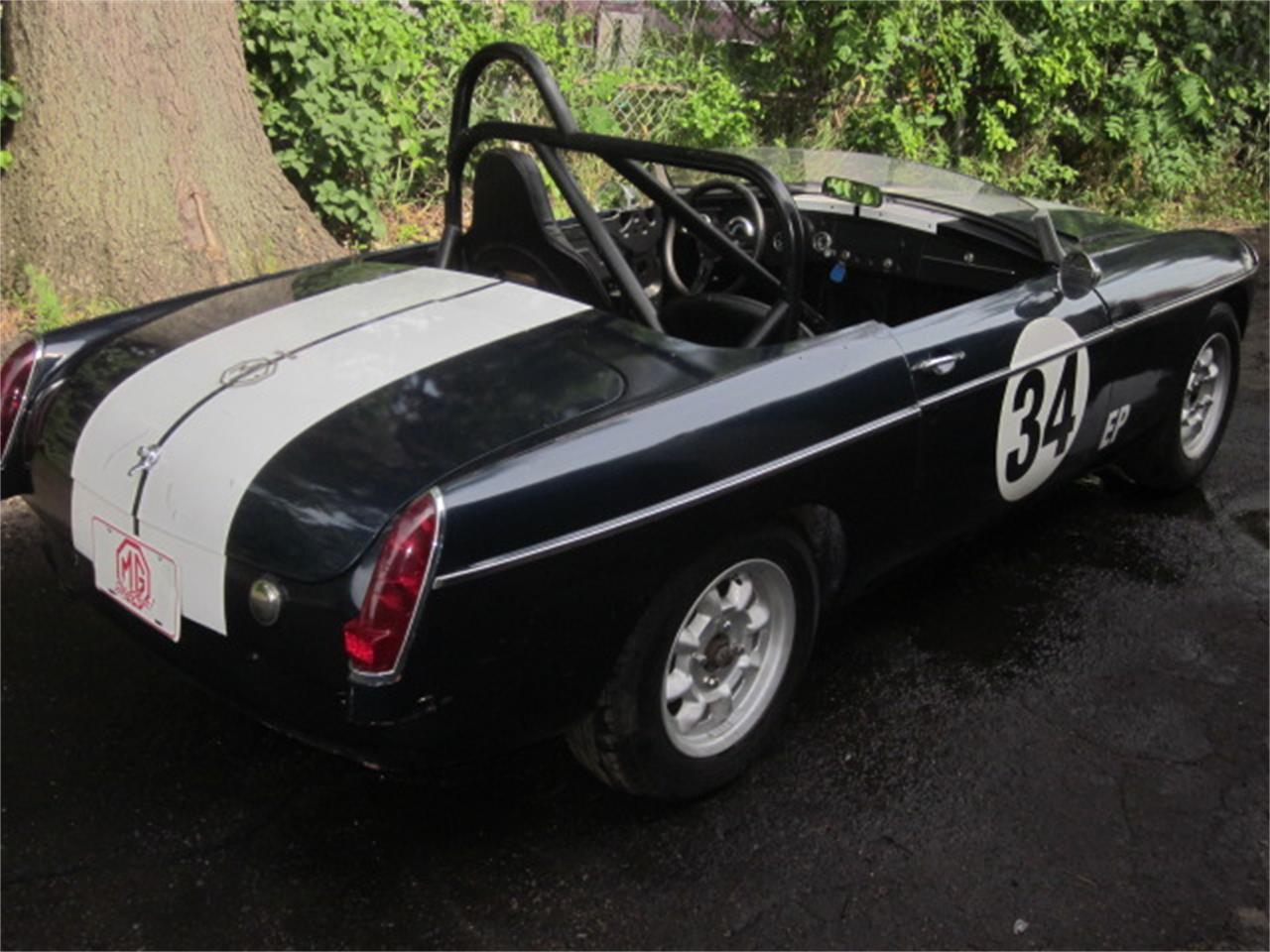 Large Picture of 1967 MG MGB located in Stratford Connecticut - LDKK