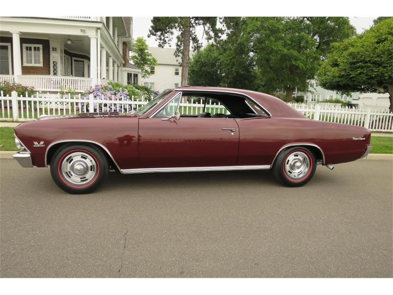 Large Picture of Classic '66 Chevelle - LDNC