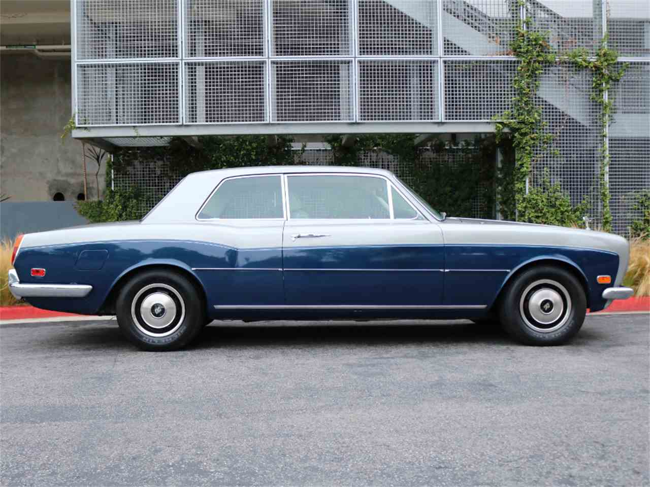 Large Picture of 1973 Rolls-Royce Corniche Offered by Chequered Flag International - L8GY