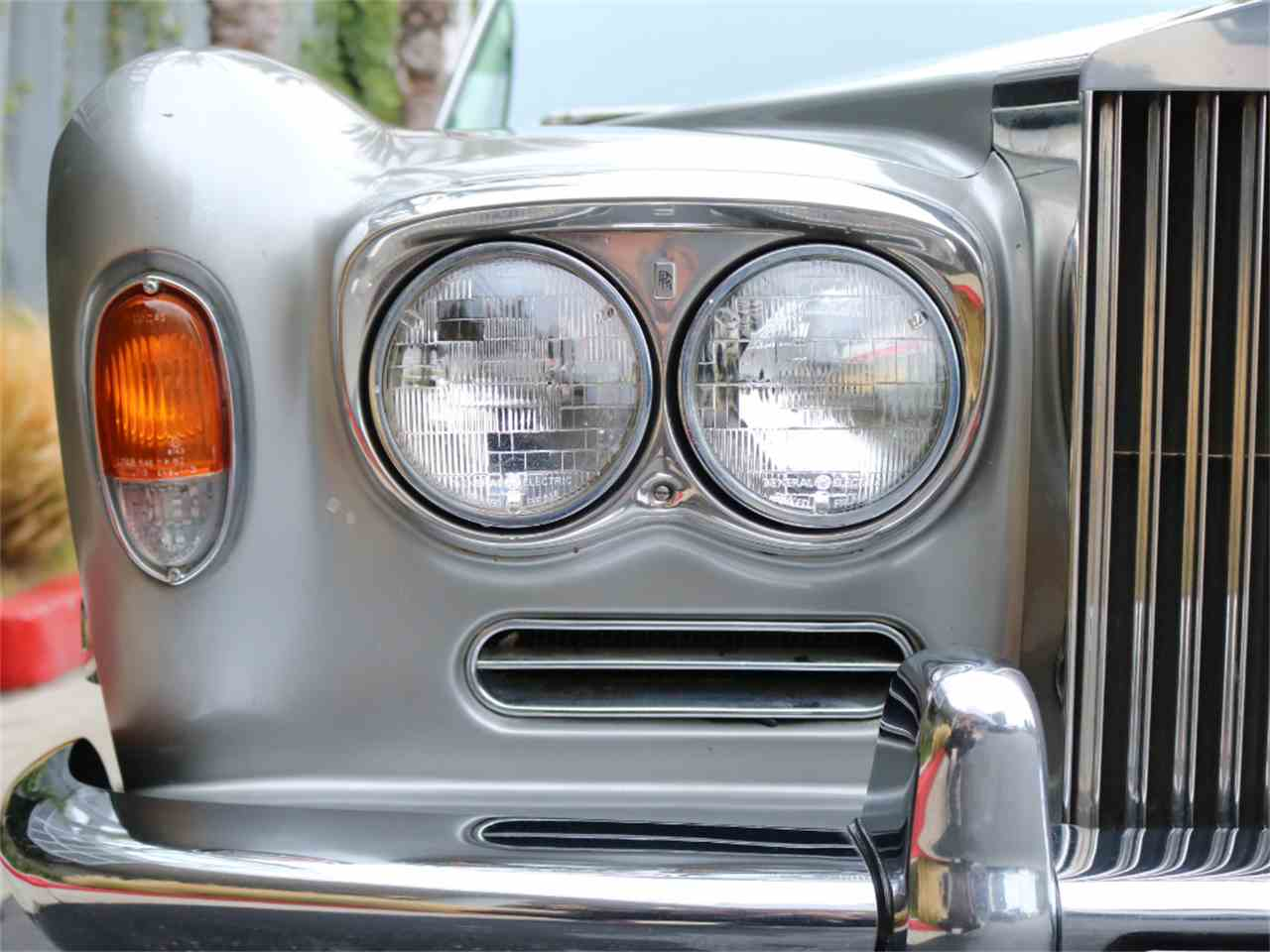Large Picture of Classic 1973 Rolls-Royce Corniche Offered by Chequered Flag International - L8GY