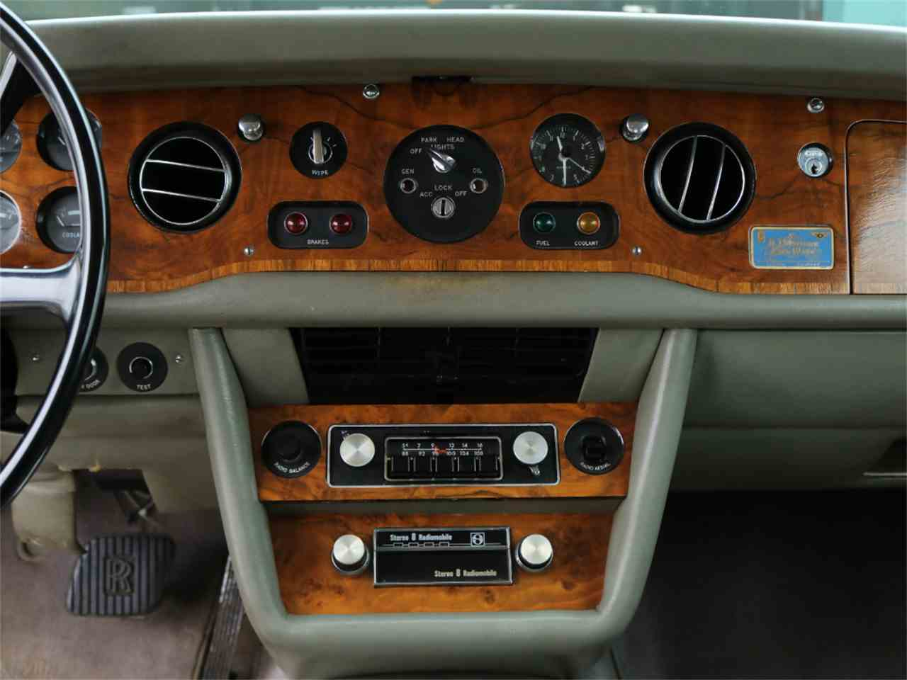 Large Picture of '73 Rolls-Royce Corniche Offered by Chequered Flag International - L8GY