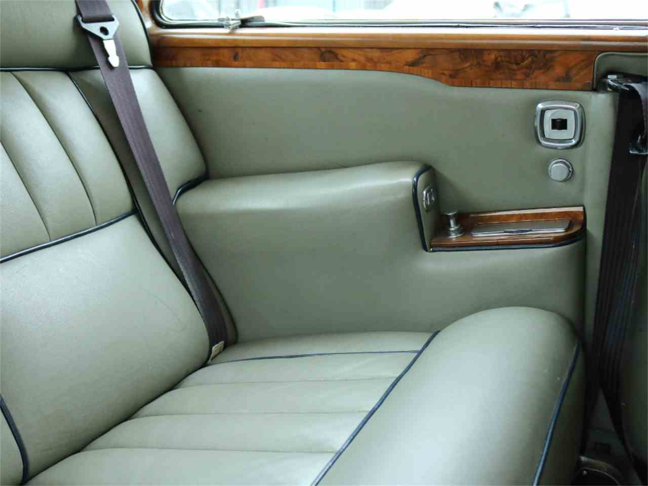 Large Picture of Classic '73 Rolls-Royce Corniche located in California Offered by Chequered Flag International - L8GY