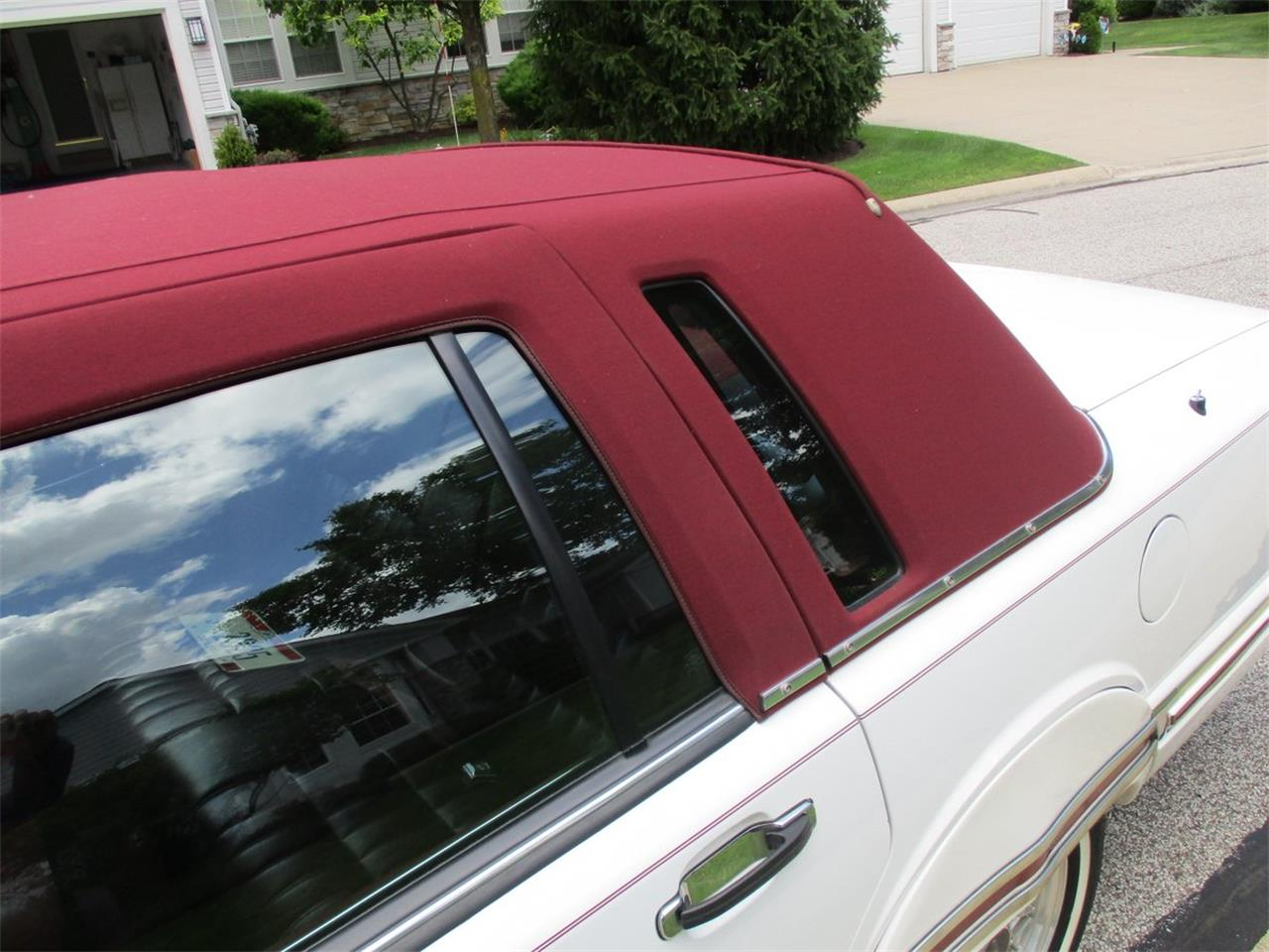 Large Picture of '94 Executive Series Town Car - $5,990.00 - LDPU