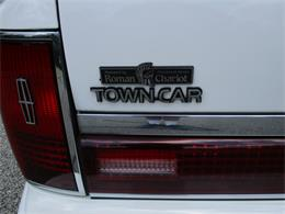 Picture of 1994 Lincoln Executive Series Town Car located in Ohio Offered by Vintage Motor Cars USA - LDPU