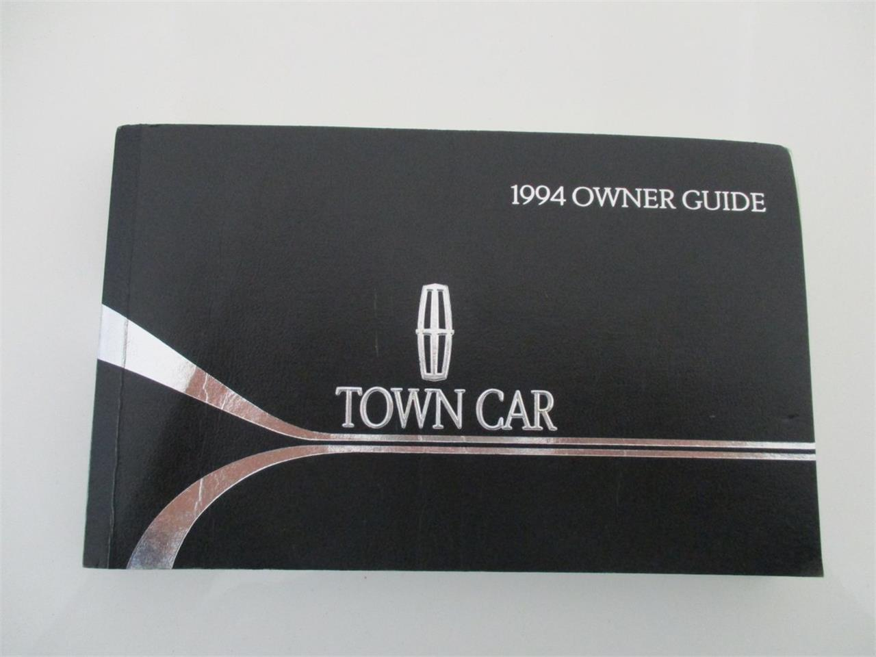 Large Picture of '94 Executive Series Town Car located in Ohio Offered by Vintage Motor Cars USA - LDPU