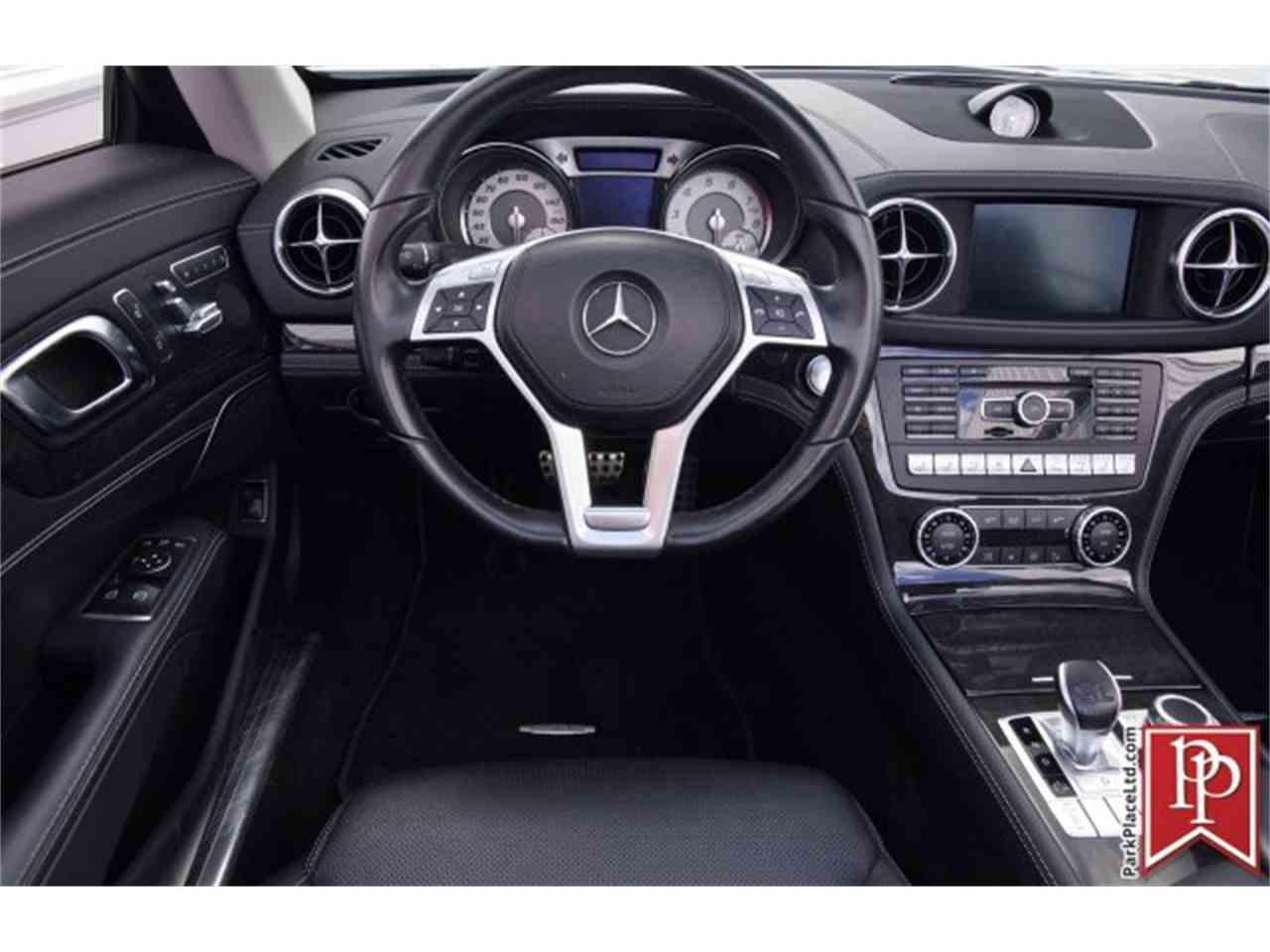 Large Picture of 2015 Mercedes-Benz SL55 - $69,950.00 Offered by Park Place Ltd - L8H0
