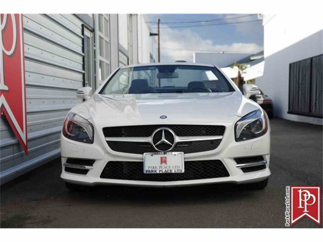 Large Picture of '15 SL55 located in Bellevue Washington - $69,950.00 Offered by Park Place Ltd - L8H0