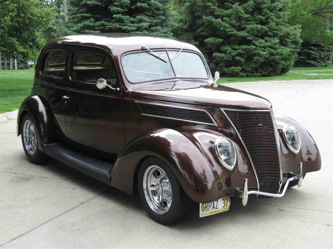 Large Picture of '37 2-Dr Sedan - LDQ5