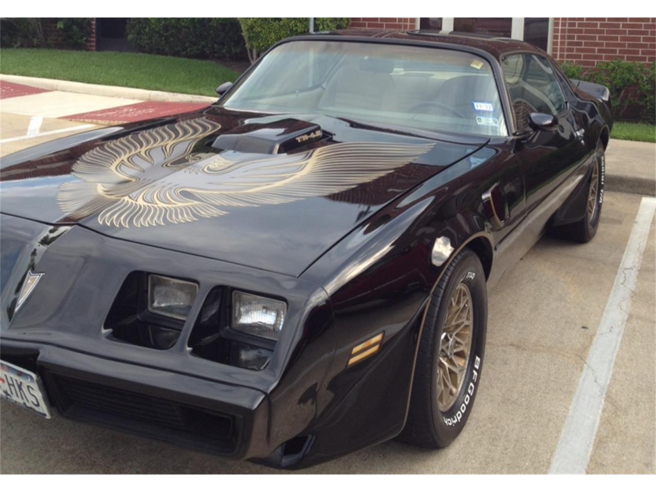 Large Picture of '81 Firebird Trans Am located in College Station Texas - LDTR