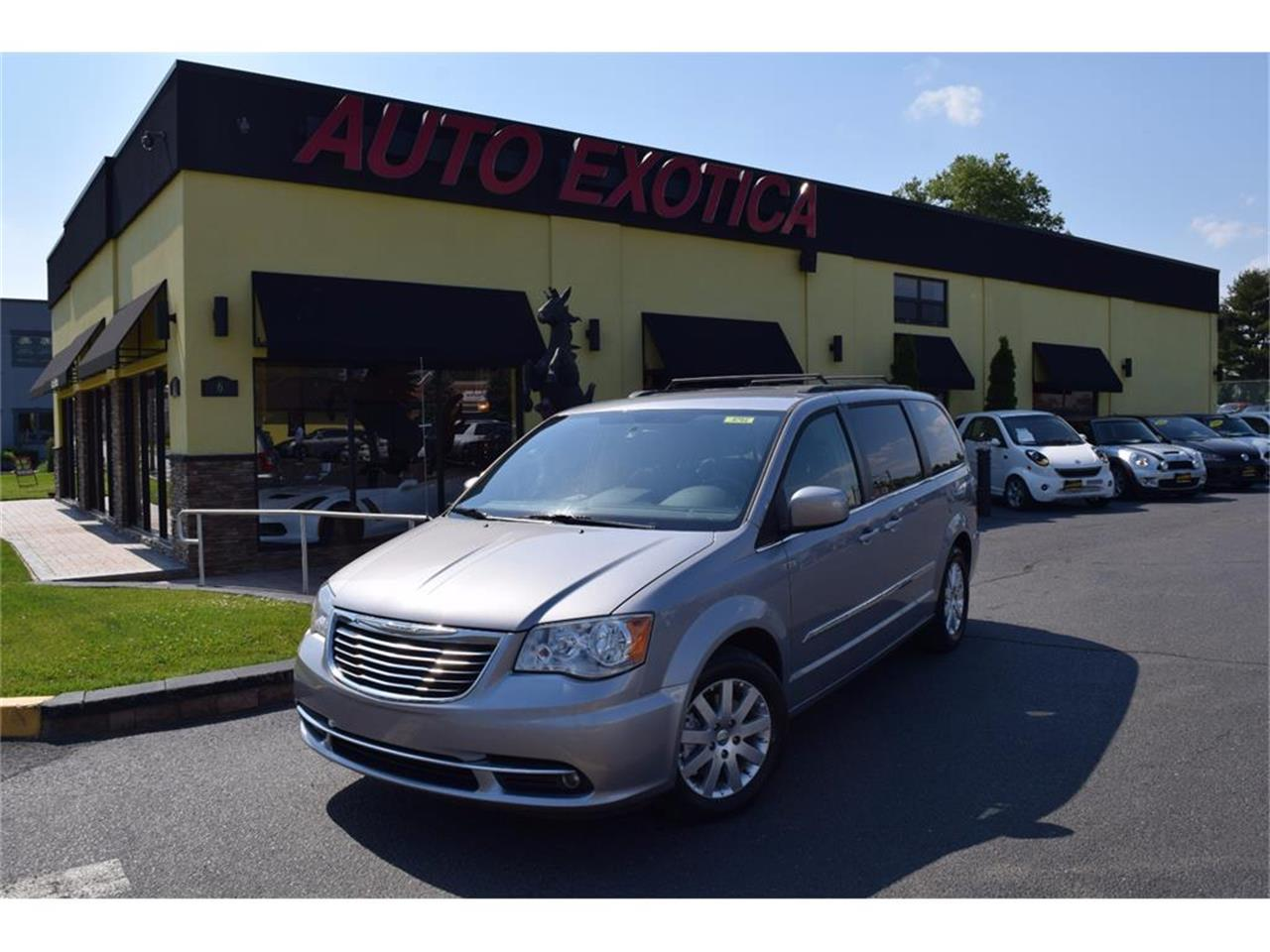 2013 chrysler town country for sale cc 997707. Black Bedroom Furniture Sets. Home Design Ideas