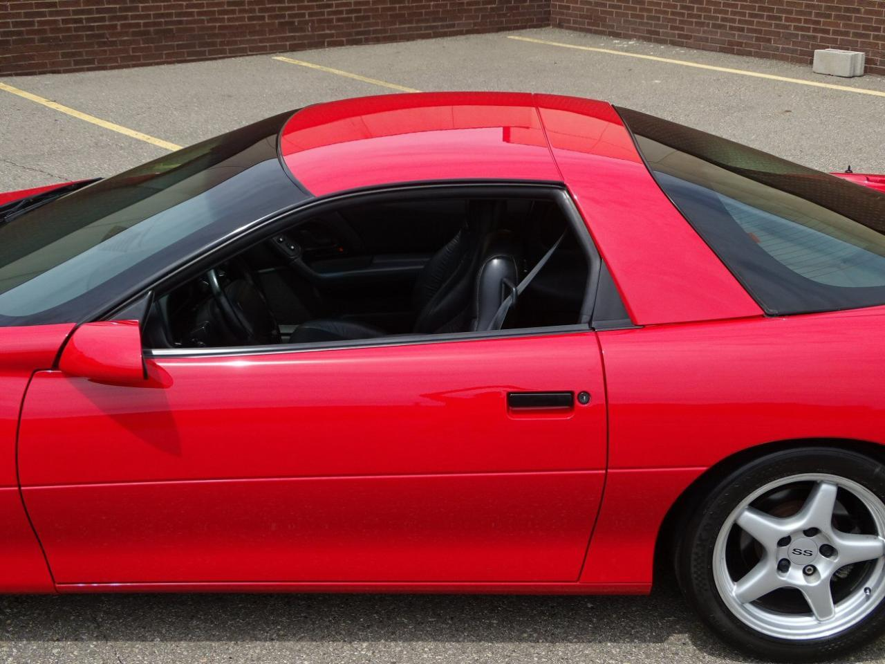 Large Picture of '96 Camaro located in Dearborn Michigan - LDUP