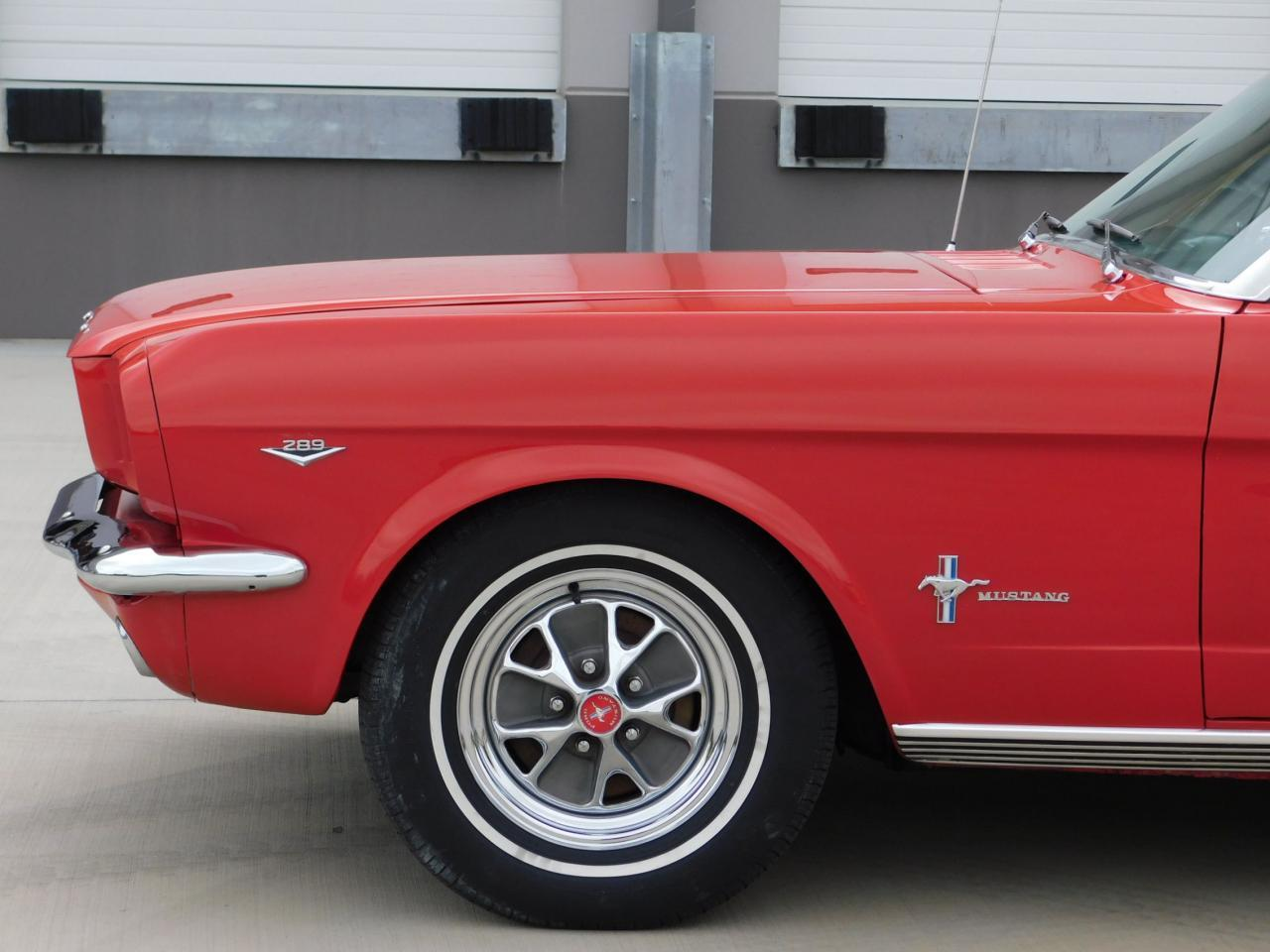 Large Picture of Classic 1965 Ford Mustang - LDV2