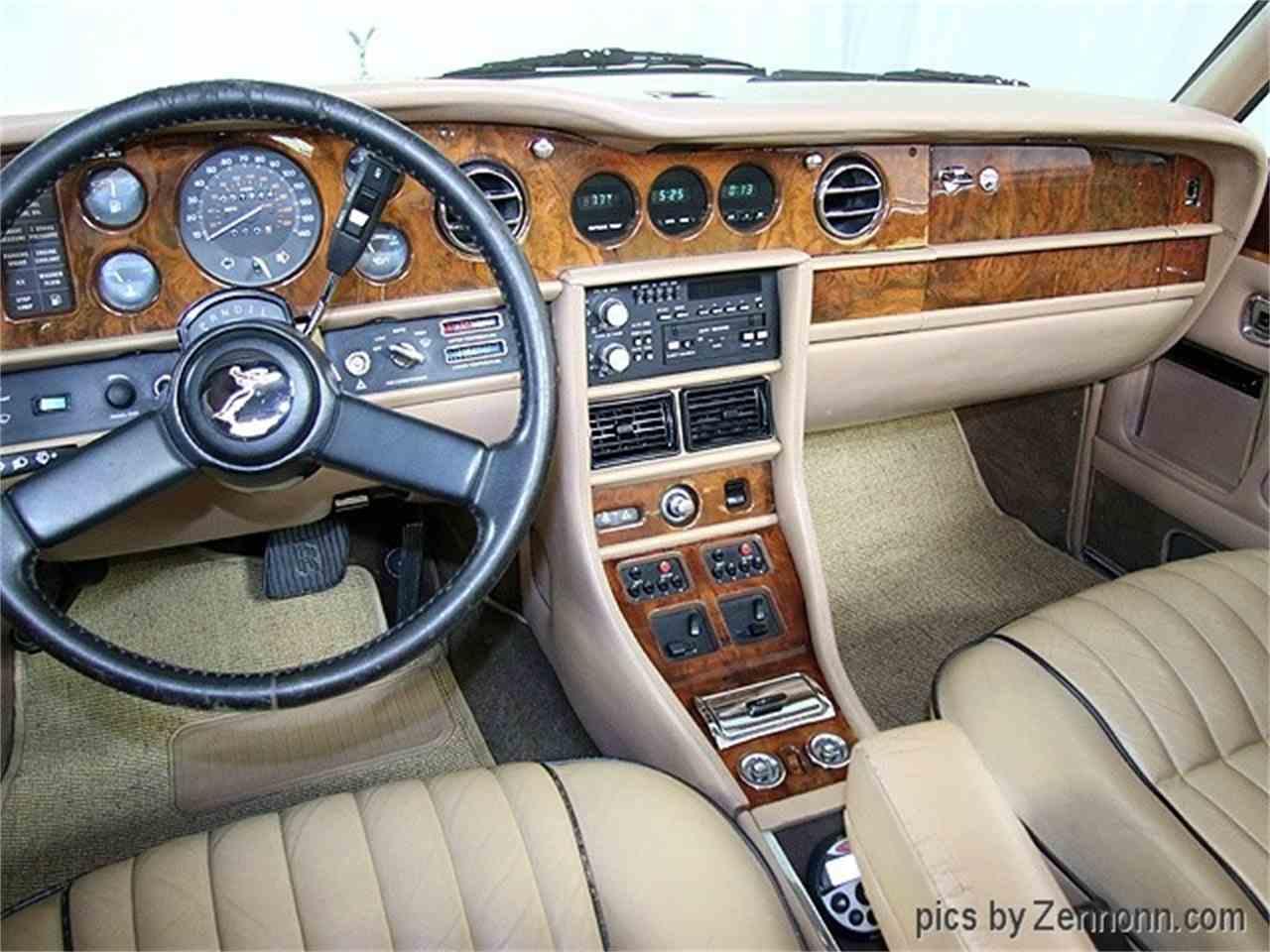 Large Picture of '82 Rolls-Royce Corniche II located in Addison Illinois - LDVR