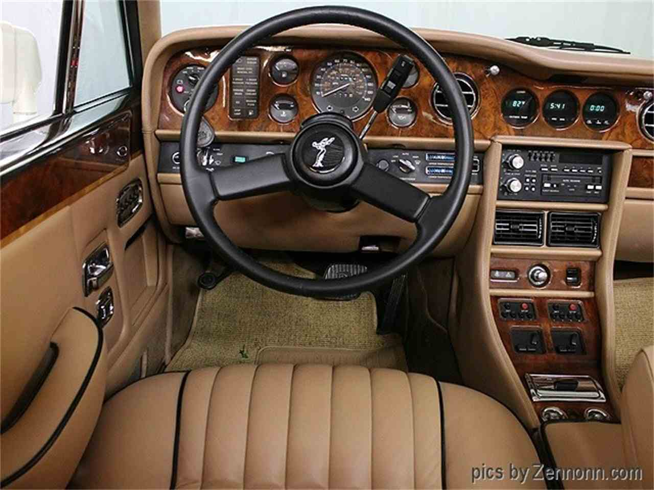 Large Picture of 1982 Rolls-Royce Corniche II located in Illinois - LDVR