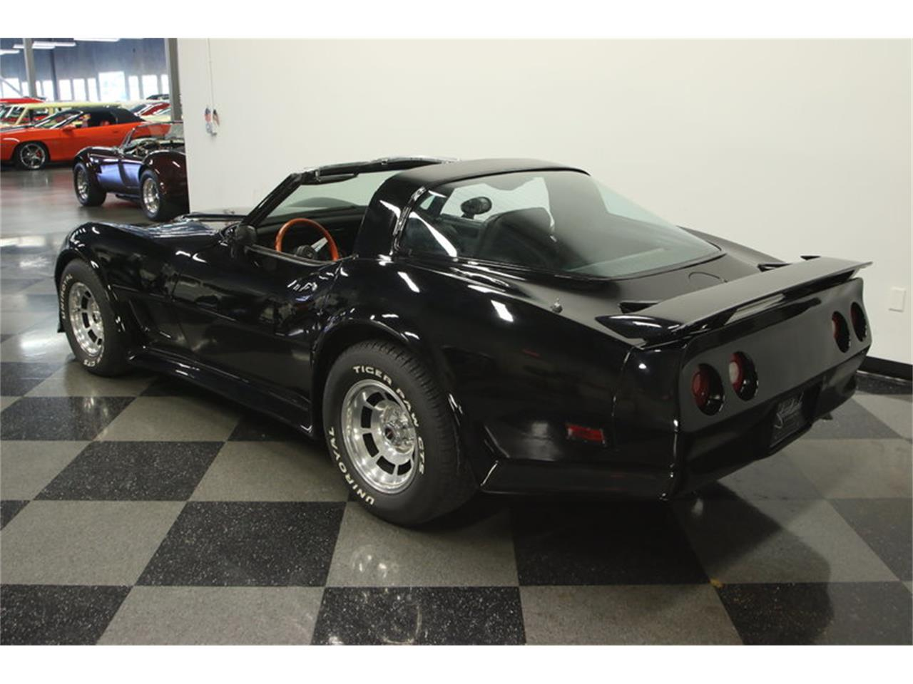 Large Picture of '80 Corvette - LDWN